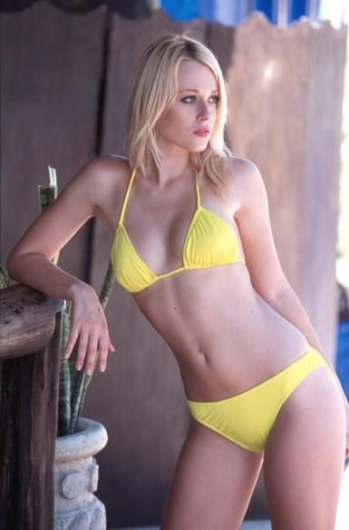 Bikinis For Small Breasts – Choose the right bikini for ...
