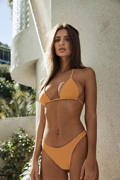 Emily Ratajkowski-High-Cut-Bikini