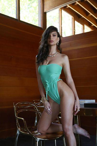 Emily Ratajkowski-One-Piece-Swimsuit