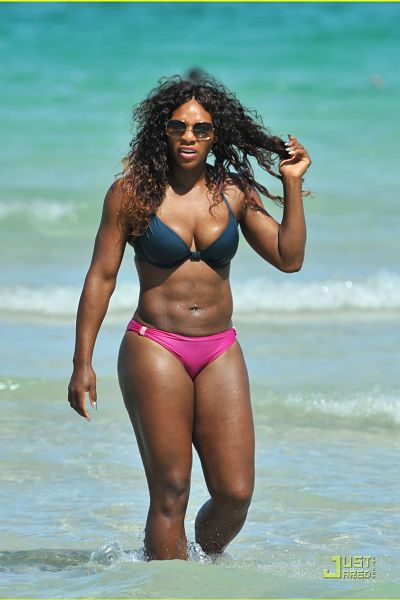 Serena-Williams-Hot-Pink-Bikini